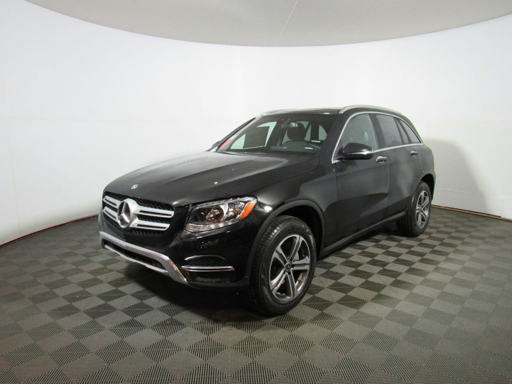 New 2018 mercedes benz glc glc 300 suv in warwick 73451 for Mercedes benz glc 300 accessories